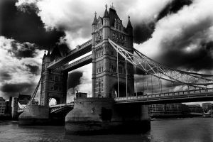 Drammatic London Tower Bridge by Jules-bonnot