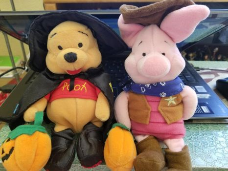 Pooh And Piglet's Halloween Plushies by Mileymouse101