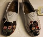 One Direction hand painted shoes by strawberry-zombies