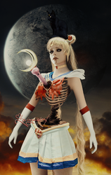 Scary Sailor Moon | Avril Lavigne by FreeError