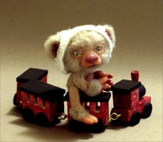 Mini bear and train toy by aleahklay