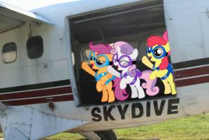 CMC Skydivers! YAY! by Paris7500