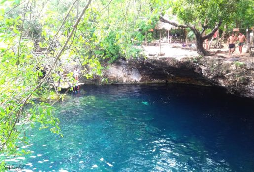 Cenote azul, Playa del Carmen by SmallHazelnut