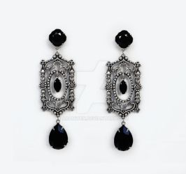 Black Gothic Earrings by Aranwen