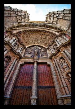 Cathedral of Mallorca doors by Tripper67