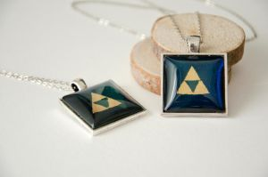 Triforce pendants by Kattvalk
