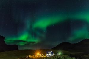 Northen Lights in Vik by PatiMakowska