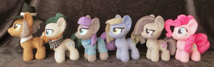 Mini Army Part 2 - The Pie Family by fireflytwinkletoes