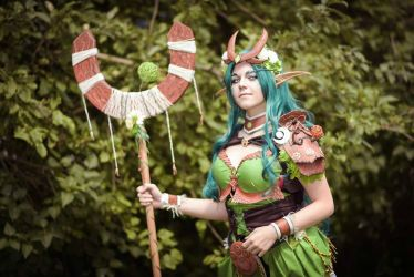 Night Elf cosplay - druid by ArisuSutcliff
