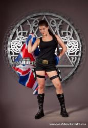 Lara Croft-Union Jack by Anastasya01