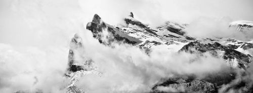 Mountains and clouds by romainjl