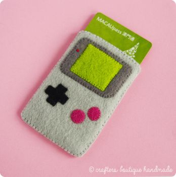 Gameboy Cardholder Tutorial by CraftersBoutique
