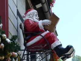 sitting Santa Claus 2 by mrscats