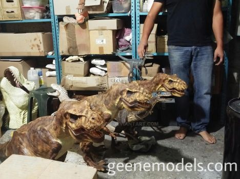 T Rexes 1:8 scale