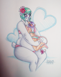 Love Comes in All Sizes by Roum