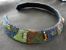 Beaded neck band by sueswinyard