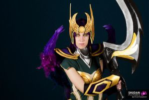 Dark Valkyrie Diana Cosplay by Frimy