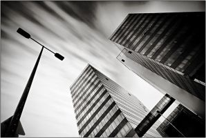 Duna Tower - BW by kgeri