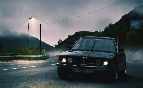 Foggy E21 by extremebt