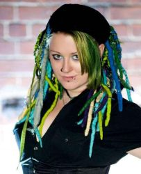 green dreads by Triobloid