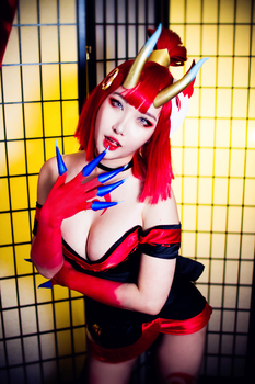 Blood Moon Evelynn Cosplay from League of Legends by RinnieRiot