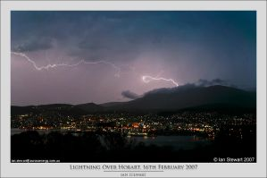 Lightning Over Mt Wellington by eehan