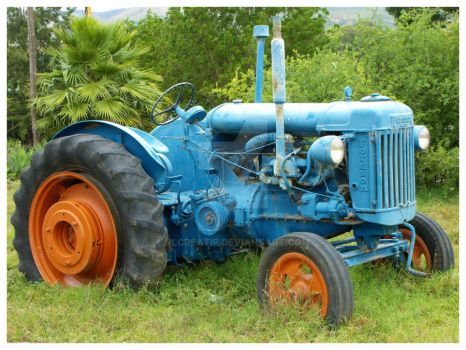 Fordson Tractor by rlcreatif