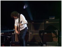 Queen Tour 2005: Brian + Amps by Fox82