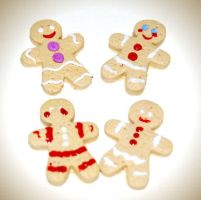 Gingerbread Men by sheamoonie