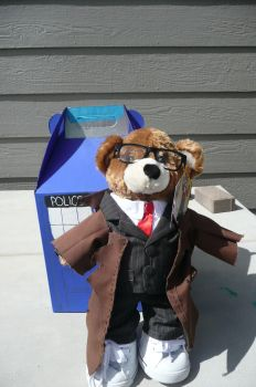 Dr. Who Bear and Tardis by Xandi5anders