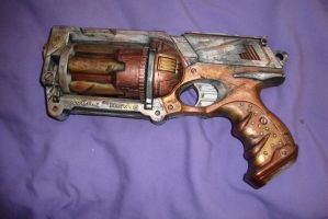 Steampunk Nerf Gun by FencesMakeGoodNebors