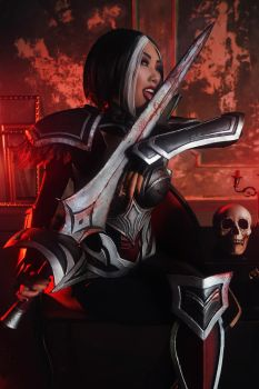 Nightraven Fiora - League of Legends by SValeCosplay