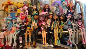 My newest pic of my Monster high dolls by AtemswildRose
