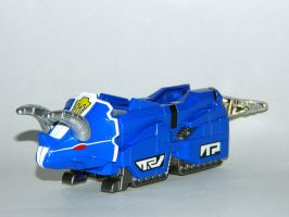 Triceratops Dino Zord by LinearRanger