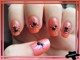 Halloween Spiders Nailart by Yamialexa