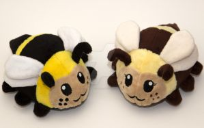 handmade cute little bee plushies by SugarcubeCherry
