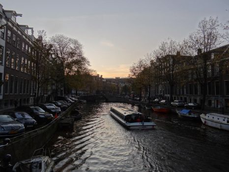 The Canals by Dwazou