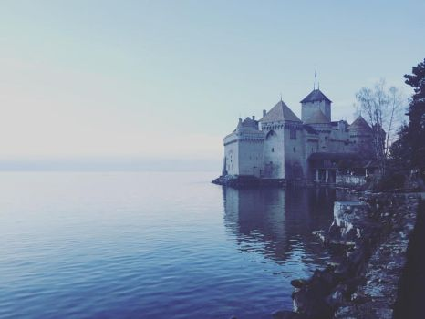 Chillon Castle by wickedhollow