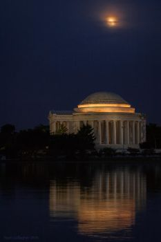 Moonrise Over the Thomas Jefferson Memorial by ryangallagherart