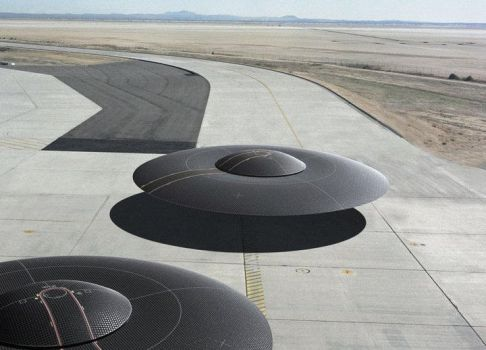 Mass production saucers at taxiing at Whitesands by Alex-Brady-TAD