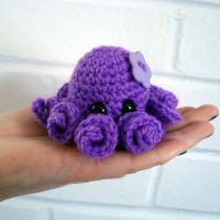 Flora The Octopus by EssHaych