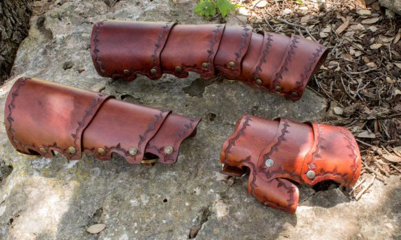Plated Leather Gauntlets by ChaoseVIIn
