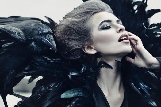 Queen of Ravens by Avine