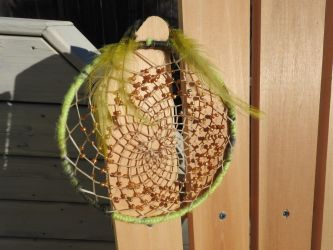Lime gold dreamcatcher by Beaubema
