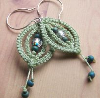 Leaflet Macrame Earrings by elpdee20
