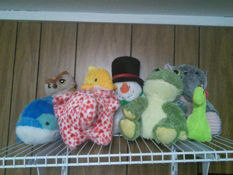 Did i ever mention i have a claw machine addiction by Remicarus