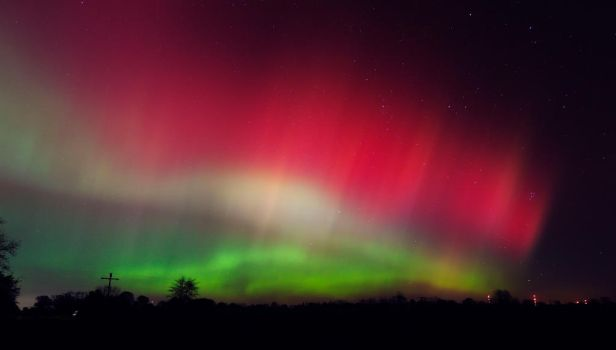 Aurora 2 Oct 24 2011 by LakeFX