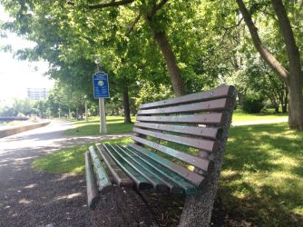 A normal bench by Lilygirl0906
