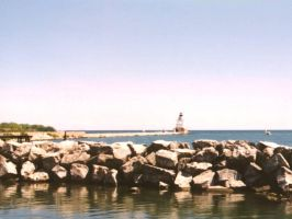 Manitowoc, WI lighthouse pier by AndrewT