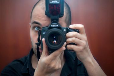 Me, Myself and my d80 and sb-900! by Barracada